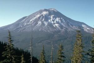 De dag voor de uitbarsting genomen vanaf de observatiepost van Harry Glicken (eigendom  U.S. Geological Survey)