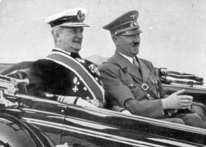 Horthy in een genoeglijk onderonsje met een bekend Duits politicus...