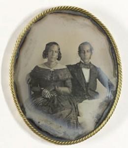De ouders van Ellis hier afgbeeld op de oudste bewaard gebleven  Daguerrotype in Suriname